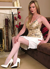 Doc Holly knows that you get those uncontrollable fetishistic thoughts every time you see a woman in a good high pair of stilettos. As part of your course of therapy she needs you to concentrate on her white heels and think about them until your high heel